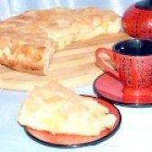 Як приготувати бісквітну шарлотку з яблуками - рецепт
