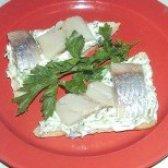 Як приготувати бутерброди з рибою і зеленим маслом - рецепт