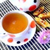 Як приготувати чорний чай з м'ятою і пелюстками календули - рецепт