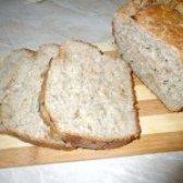 Як приготувати домашній хлібець з цибулею - рецепт
