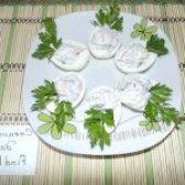 Як приготувати яйця фаршировані креветками - рецепт