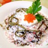 Як приготувати салат з морської капусти і крабових паличок - рецепт