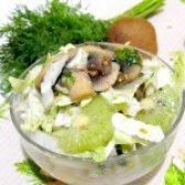 Як приготувати салат з пекінської капусти і ківі - рецепт