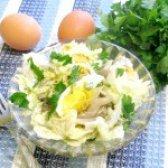 Як приготувати салат з пекінської капусти з маринованими вешенками - рецепт