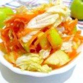 Як приготувати салат з пекінської капусти з морквою і яблуком - рецепт