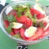Як приготувати салат з рожевих помідорів і базиліка - рецепт