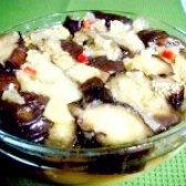 Як приготувати салат з запечених баклажанів і перцю - рецепт