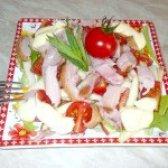 Як приготувати салат з копченим курячим м'ясом і черрі - рецепт