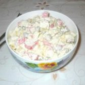 Як приготувати салат з крабовими паличками яблуком і горошком - рецепт