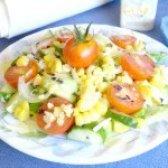 Як приготувати салат з кукурудзою і помідорами чері - рецепт