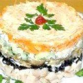 Як приготувати салат з куркою грибами та чорносливом - рецепт