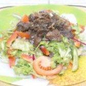 Як приготувати салат з курячою печінкою і свіжими овочами - рецепт