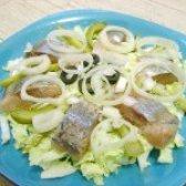 Як приготувати салат з оселедцем і пекінською капустою - рецепт