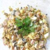 Як приготувати салат з печерицями та шинкою - рецепт