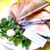 Як приготувати сендвіч з яйцем ковбасою і зеленню - рецепт