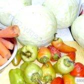Кулінарний рецепт капуста з перцем на зиму з фото