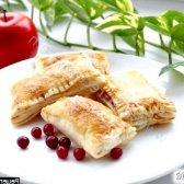Рецепт пиріжки з брусницею і яблуками в духовці з фото