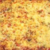 Як приготувати домашню піцу з ковбасою - рецепт