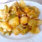 Як приготувати картоплю тушковану зі стручкової квасолею - рецепт