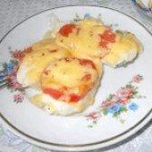 Як приготувати курячу грудку запечену з помідорами і сиром - рецепт