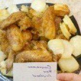 Як приготувати курячі крильця в глазурі з печеною картоплею - рецепт