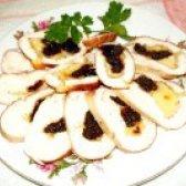 Як приготувати курячий рулет з сиром і чорносливом - рецепт