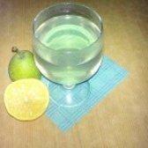 Як приготувати лимонно-грушевий компот - рецепт