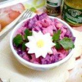 Як приготувати буряковий салат з кількою - рецепт