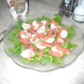 Як приготувати свіжий салат з сьомгою і грейпфрутом - рецепт