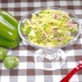 Як приготувати свіжий весняний салатик із брюссельської капусти з яблуком і сиром - рецепт