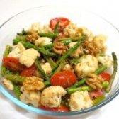 Як приготувати теплий салат зі спаржею - рецепт