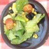 Як приготувати зелений салат з помідори черрі - рецепт