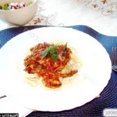 Рецепт домашня паста з морепродуктами в томатному соусі з фото