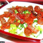 Рецепт легкий салатик з в'яленими помідорами з фото