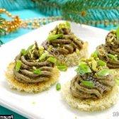 Рецепт новорічні канапе ялиночки з печінкового паштету з фото