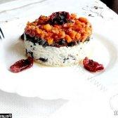 Рецепт печінка яловича маринована в білому вині і прованських травах під томатно-овочевим соусом з фото