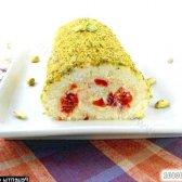 Рецепт святковий бісквітний рулет з начинкою з англійської заварного крему і п'яною черешні з фото