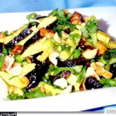 Рецепт салат пісний з авокадо, чорносливом, горіхами з фото