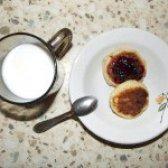 Як приготувати м'які сирники з варенням - рецепт
