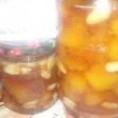 Як приготувати персикове варення з мигдалем? рецепт