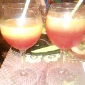 Як приготувати персиковий коктейль з малиновим лікером? рецепт