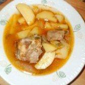 Як приготувати пікантний соус з яловичих реберець - рецепт