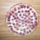 Як приготувати пиріг пісочний з вишнею та сметанною заливкою - рецепт