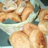 Як приготувати пиріжки з картоплею та грибами - рецепт