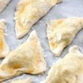 Як приготувати пиріжки з цибулею - рецепт