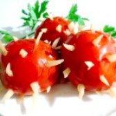 Як приготувати помідори мариновані з часником - рецепт