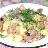 Кулінарний рецепт печінка з грибами і картоплею з фото