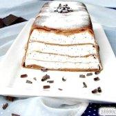 Рецепт млинцевий сирний торт з шоколадних млинців з сирно-вершковим кремом з фото